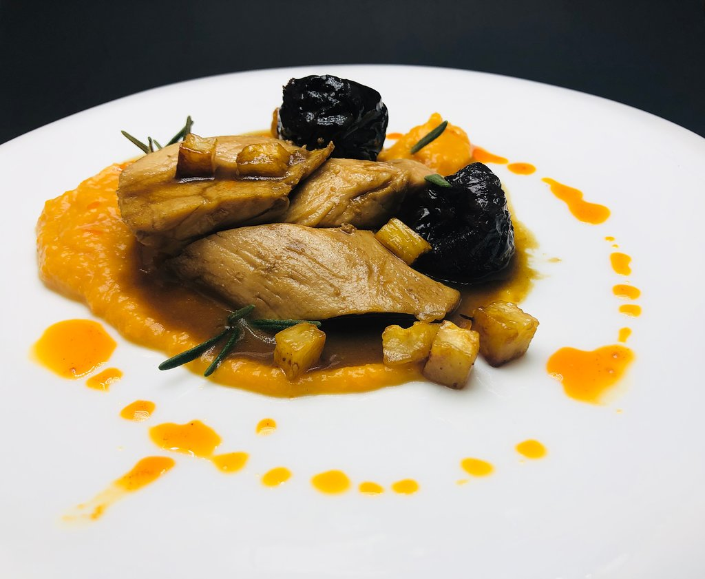 """Small portion of a dish at a """"dine-in-the-dark"""" restaurant"""
